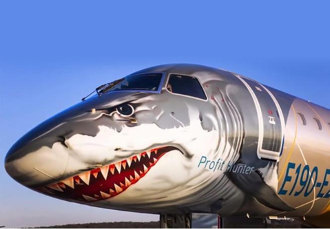 зверский маркетинг новые лайнеры embraer украсят хищными мордами