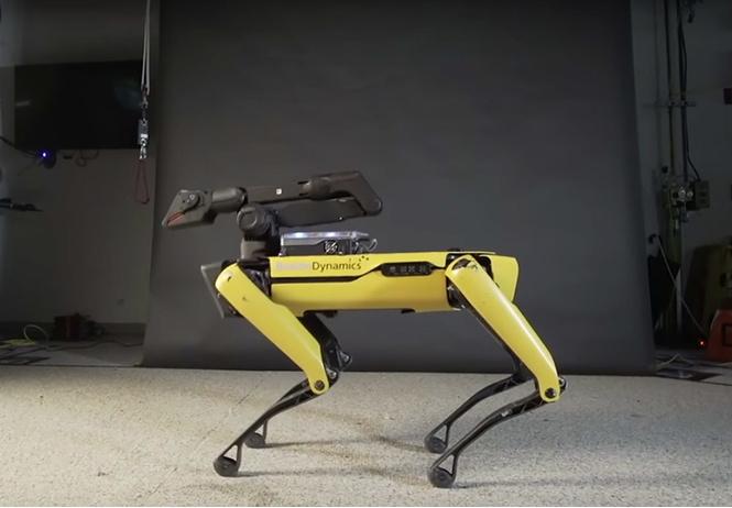 Boston Dynamics научили собакоподобного робота танцевать под Uptown Funk! (видео)