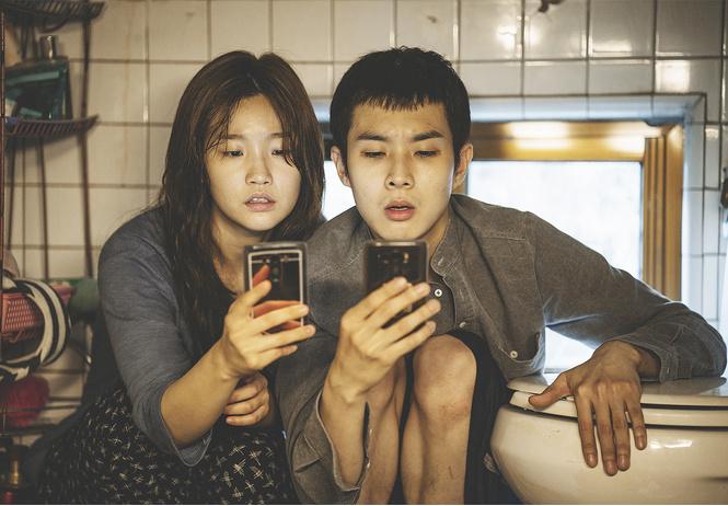 maxim рецензирует корейский фильм-сенсацию паразиты