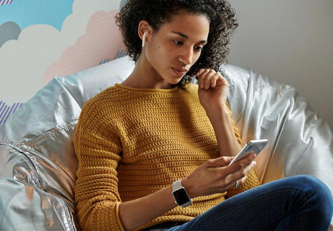 apple представила новые airpods функцией беспроводной зарядки