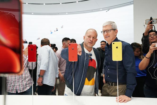 apple представила новые смартфоны часы