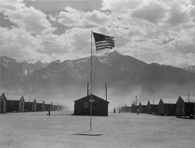 Не публикованные прежде кадры из американских концентрационных лагерей для японцев (галерея)