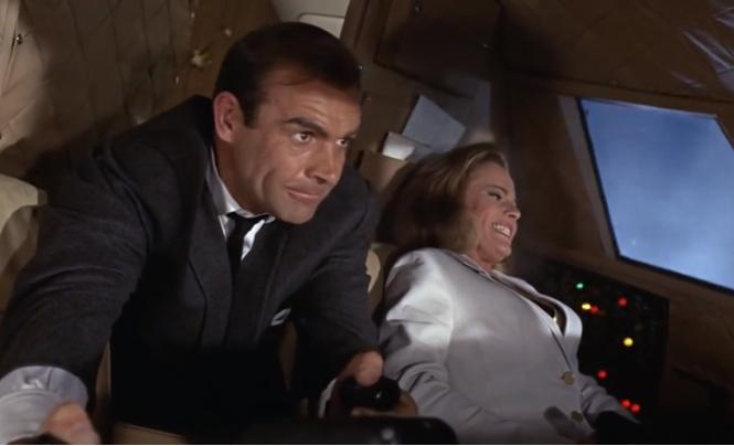 Пассажирский самолет случайно превысил скорость звука