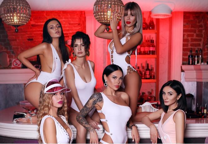 красотки jimmy poy самые сексуальные работницы индустрии караоке