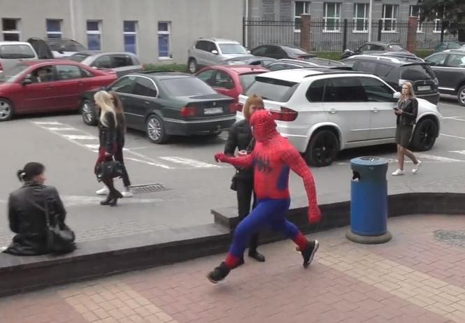 российский человек-паук борется курением уморительно супергеройское видео