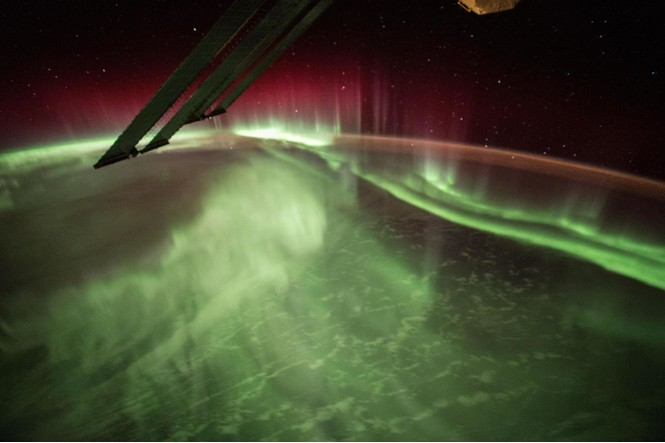 Как выглядит северное сияние из космоса (галерея)
