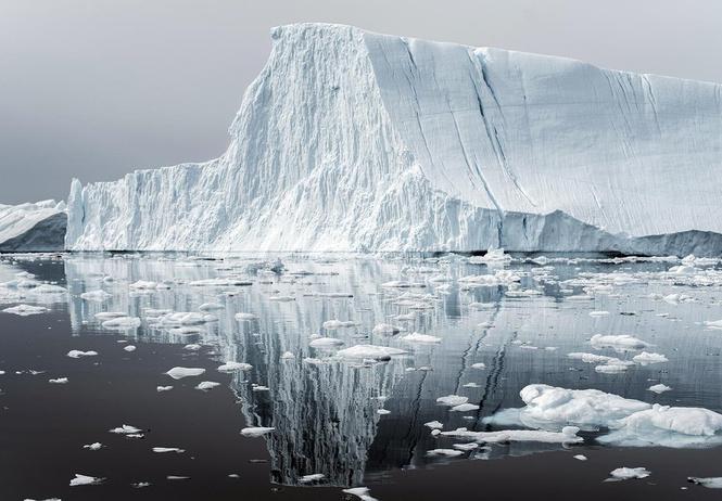 NASA показало айсберг идеальной формы (фото восторженно прилагаем)