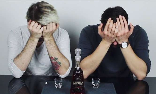 Немцы пробуют русский алкоголь (видео)