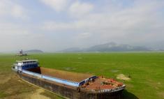 История одной фотографии: баржа у озера Поянху