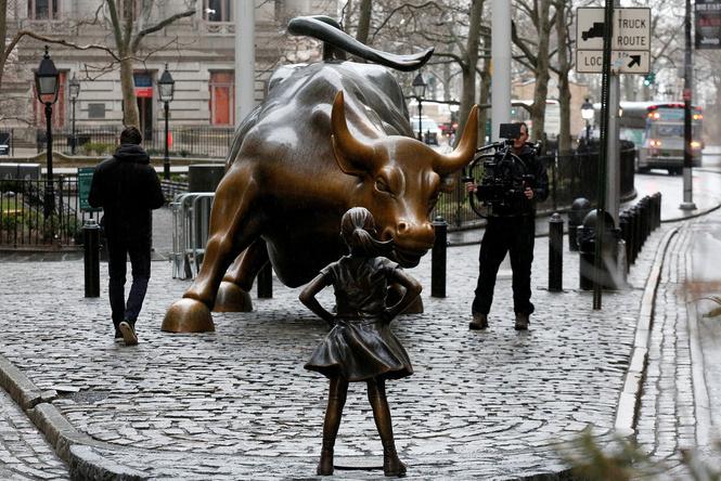 Bloomberg опросил работников Уолл-Стрит, как они живут в эпоху MeToo