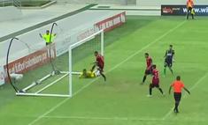 футболист виртуозно обыграл семерых забил пустые ворота видео