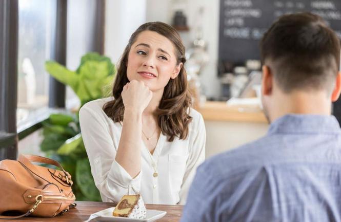 исследование треть девушек ходят свидание поесть