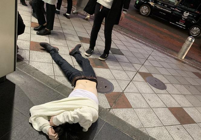 В Токио пить: 34 диких фото и видео про японцев и алкоголь