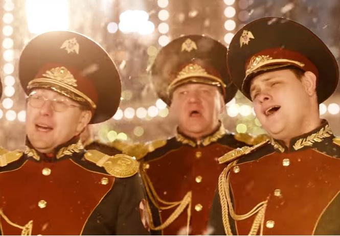 Росгвардия сняла новогодний клип на хит Джорджа Майкла Last Christmas на Красной площади