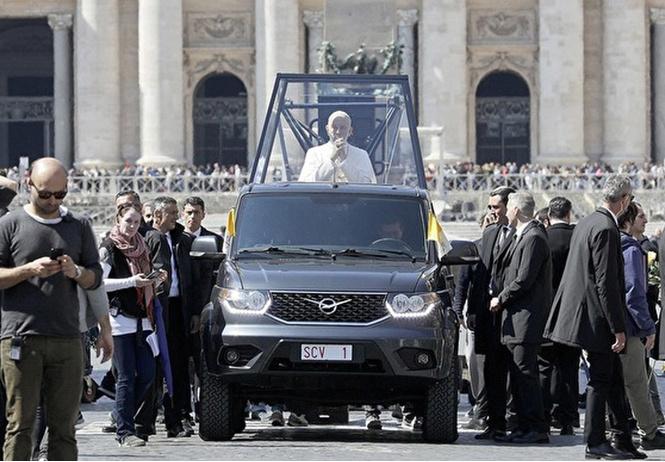 российский уаз официальным папамобилем продолжении сериала папа