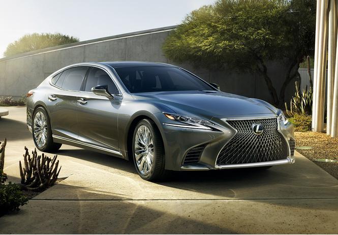 Новые трюки Lexus: новейшее поколение японского флагмана LS500