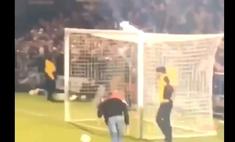 Косолапый футбольный фанат насмешил стадион, а видео с его выходкой стало вирусным