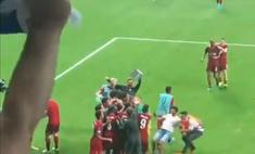 самая дурацкая травма сезона вратаря ливерпуля вывел строя