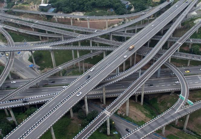 китайцы построили самую безумную мире дорожную развязку видео