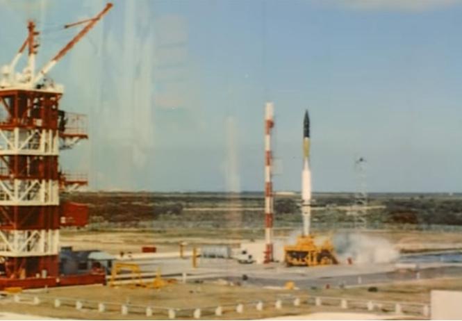 Взрыв первого американского спутника (архивное видео)