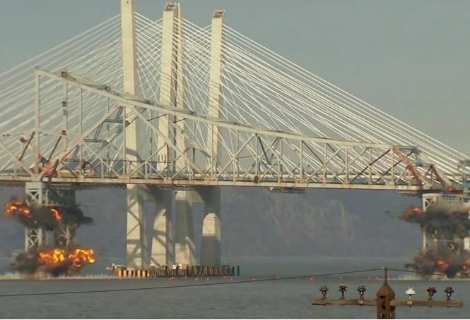 нью-йорке взорвали мост гудзон рухнул секунд видео