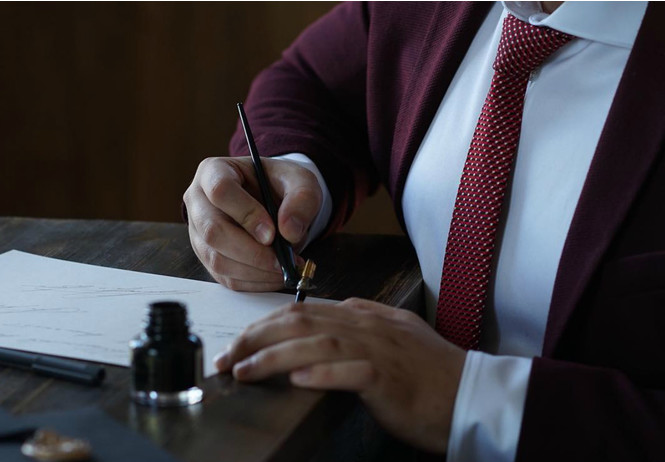 студент красноярска зарабатывает миллионы продавая красивые подписи бизнесменов