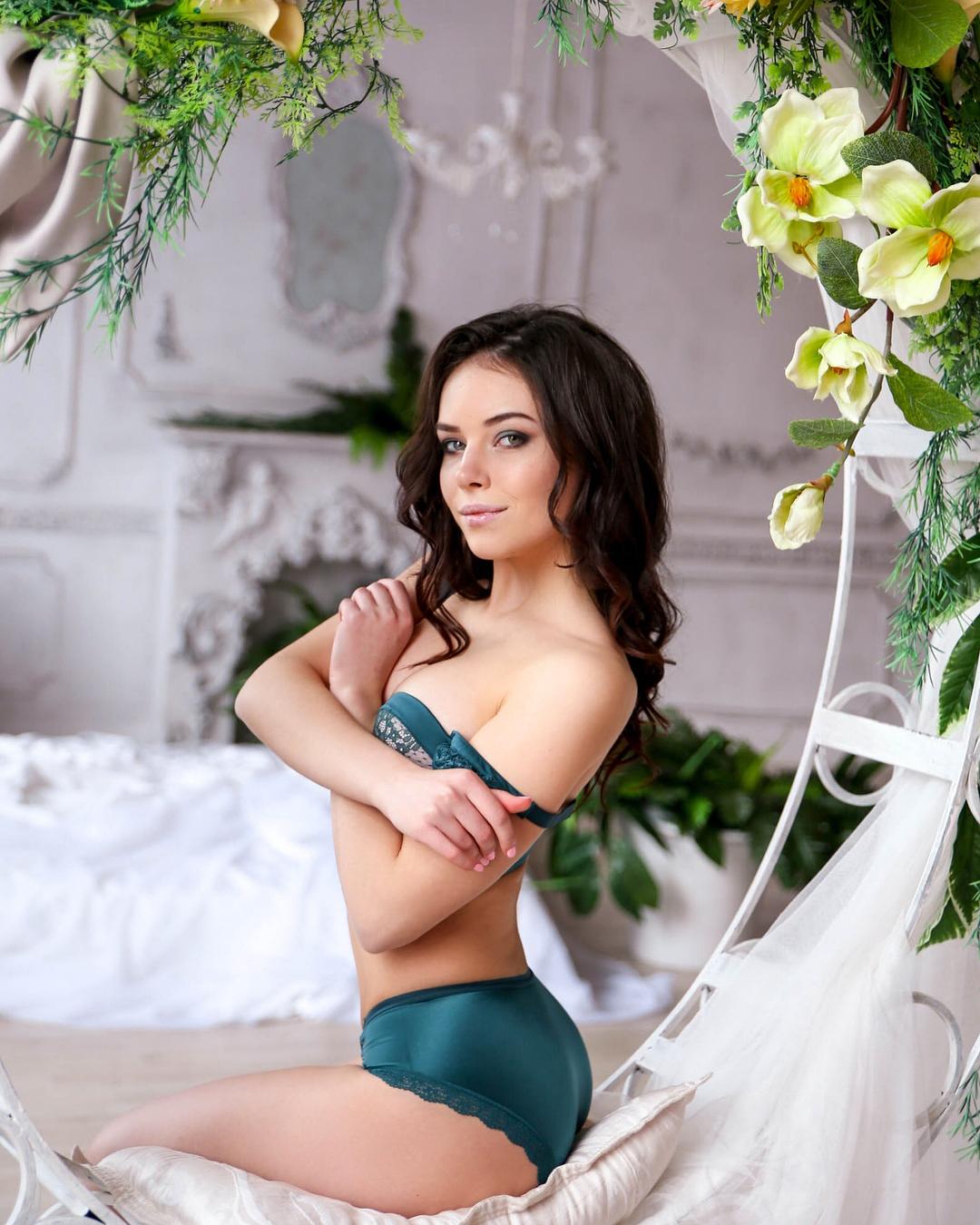Анна Гусева Голая