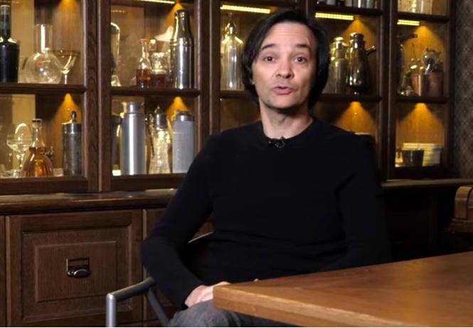 Маленков-коктейль 21: главред MAXIM рассказывает, как вырастить из детей атеистов (видео)