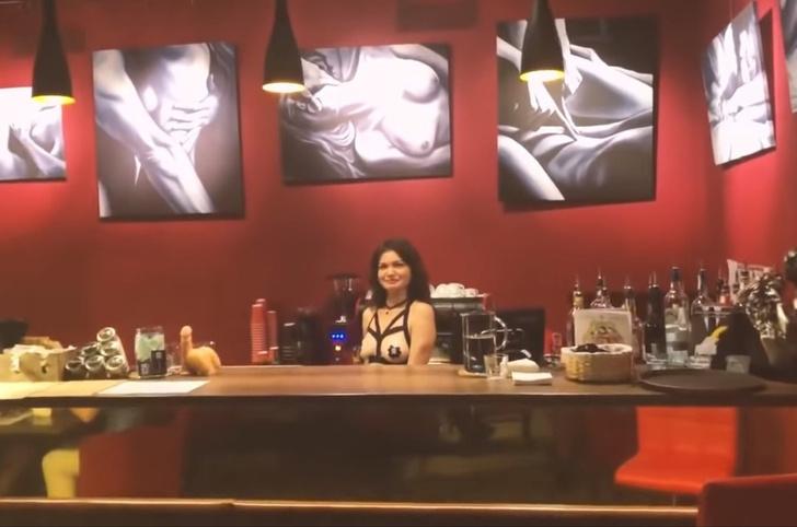 Фото №1 - Вот как все там, в первом на Украине сексуально-образовательном арт-кафе! (ВИДЕО)