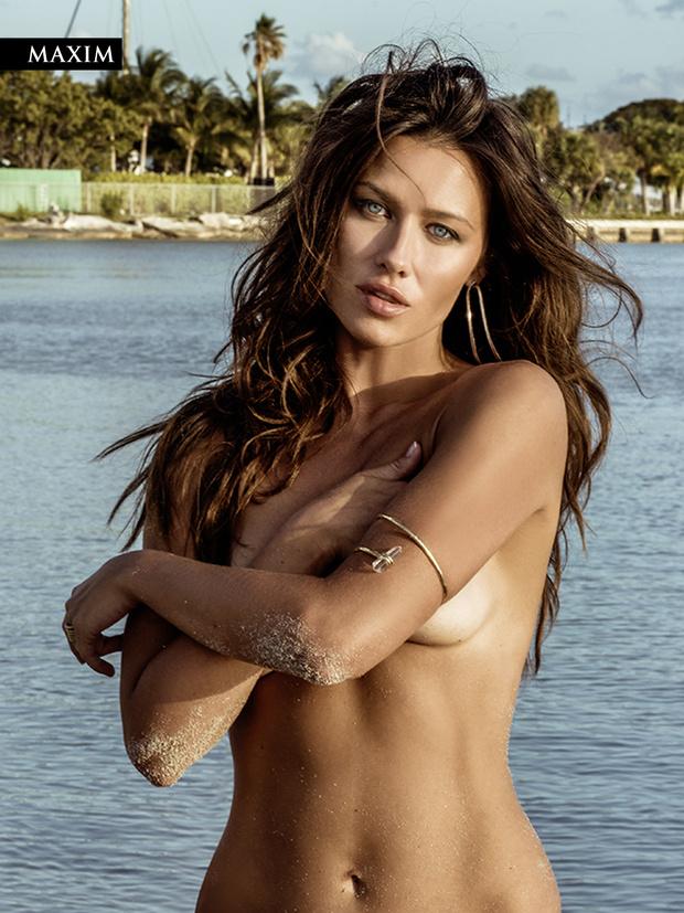 Фото №3 - Анна Кастерова! Наш фотограф настиг беглую телеведущую на пляже в Майами!