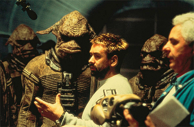 37-летний Люк Бессон на съемочной площадке «Пятого элемента»