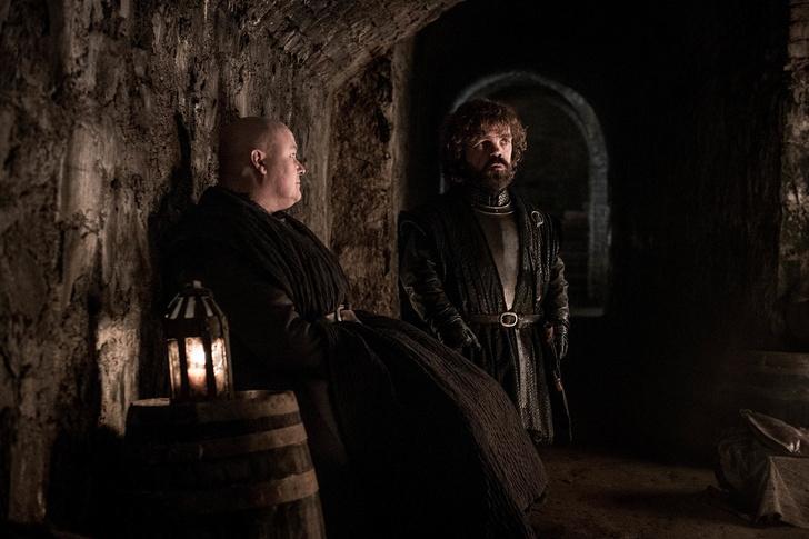 Фото №2 - HBO выложил фото из третьей серии финала «Игры престолов»