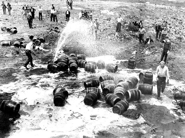 Фото №5 - Жутчайшие фотографии уничтожения алкоголя!