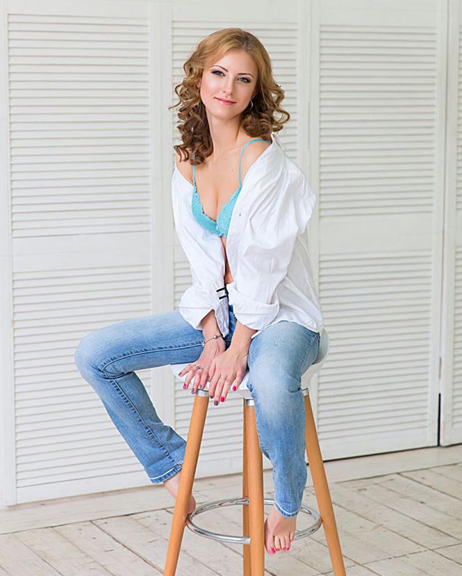 Анна Ходакова