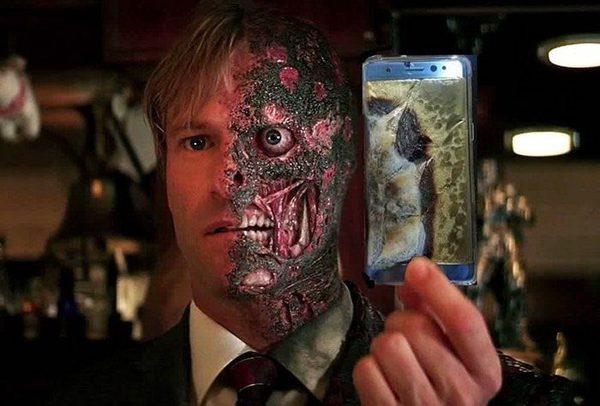 Фото №1 - Избранные шутки о самовоспламеняющейся технике Samsung