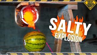 А что если, например, залить в арбуз раскаленную соль? (ВИДЕО)