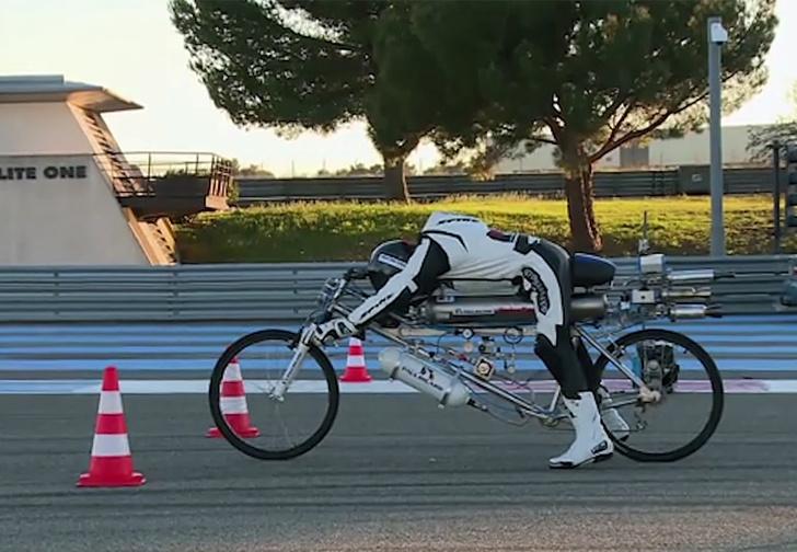 Фото №1 - Велосипед-ракета разогнался до 333 км/ч (ВИДЕО)!