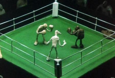 Почему боксерский ринг квадратный, если слово ring означает круг?