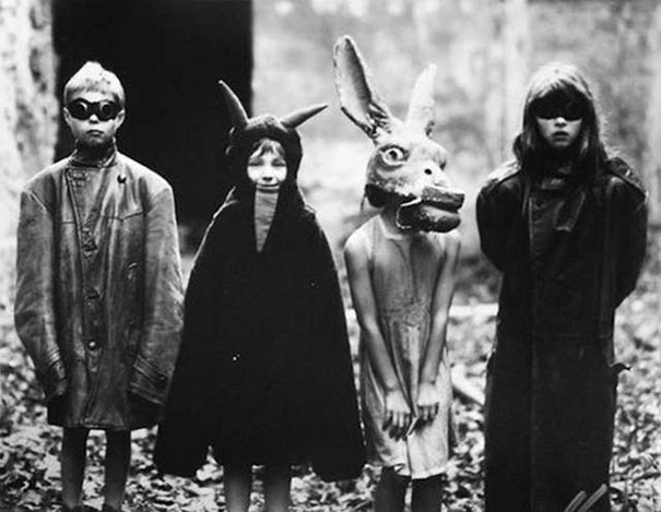 Фото №15 - Самые жуткие ретрокостюмы на Хеллоуин!