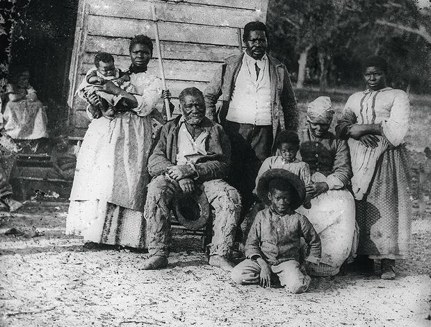 Пять поколений рабов.  Фотография XIXвека