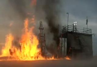 Самое грандиозное и внезапное падение ракеты лета-2018! Мощные взрыв и пожар прилагаются! (ВИДЕО)