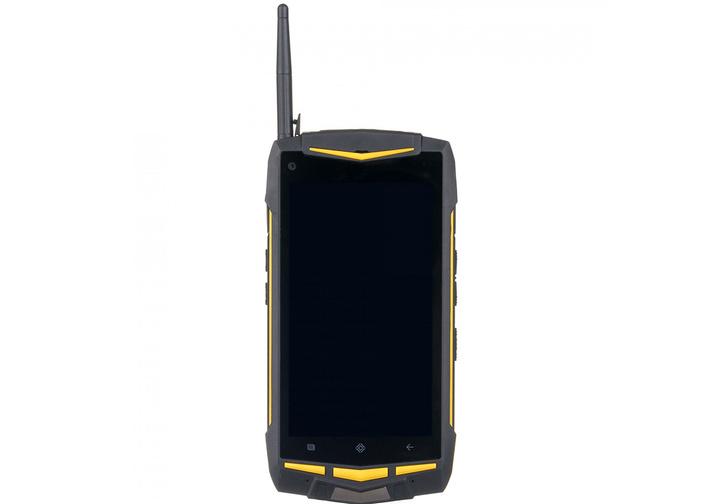 Фото №2 - Blackberry KeyOne или Land Rover C20? Как купить необычный смартфон