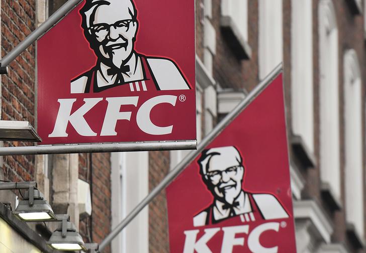 Фото №1 - Хитрый студент год бесплатно питался в KFC, притворяясь проверяющим