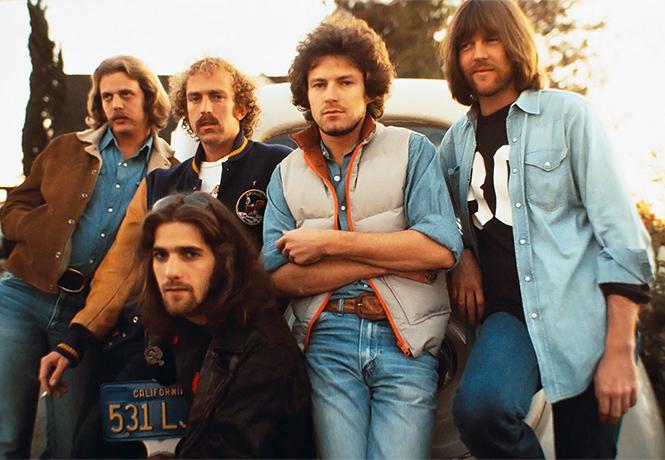 Фото №1 - Самым продаваемым в истории стал альбом группы Eagles