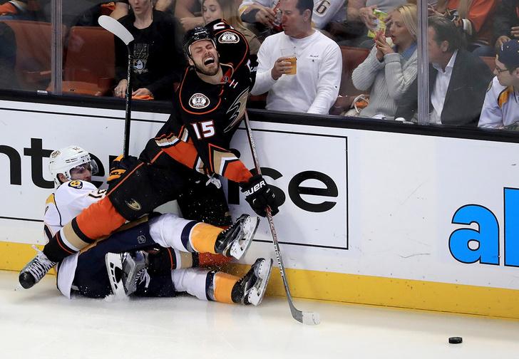 Фото №1 - Топ-5 комичных ситуаций, произошедших на хоккейных матчах