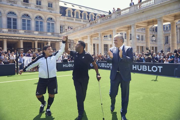 Фото №2 - Матч легенд: Hublot собрал звёзд футбола под стенами Лувра