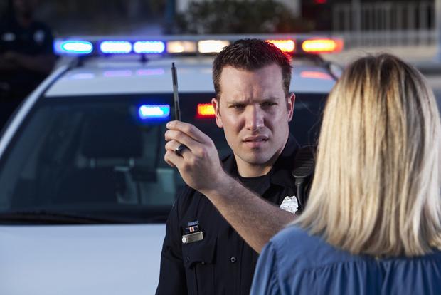 Фото №3 - Работа мечты: американская полиция ищет добровольцев, которые будут напиваться и проходить проверку на алкоголь