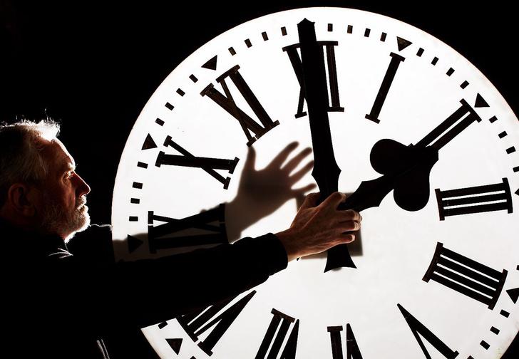 Фото №1 - Почему время течет быстрее, когда ты взрослый, с точки зрения науки