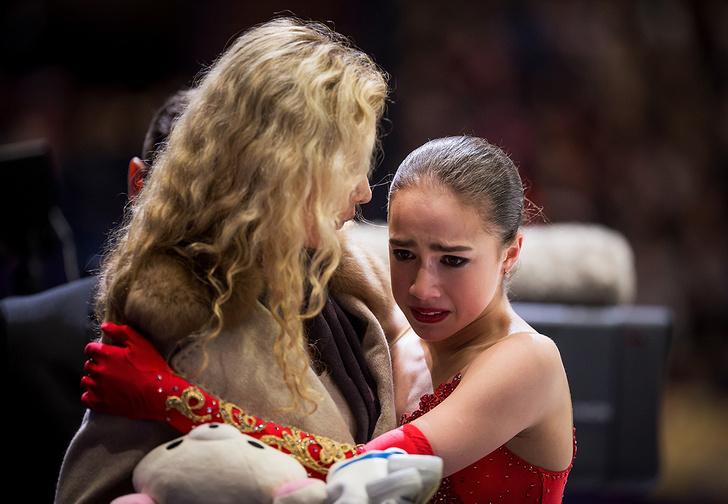 Фото №1 - Что случилось, Алина? Золотая девочка провалила чемпионат мира