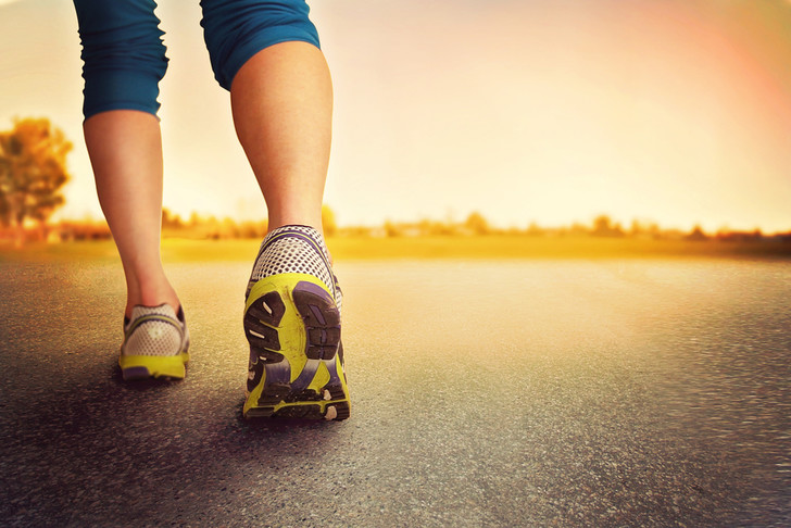 Фото №1 - 10 000 шагов в день заменят фитнес? Нет! Развенчиваем 5 самых популярных мифов о здоровье!